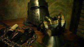 Панцырь и оружия ` s рыцаря акции видеоматериалы