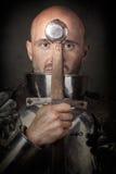Панцырь рыцаря нося Стоковые Изображения RF