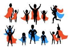 Папа и дети, мальчик и девушка играя силуэты супергероев иллюстрация вектора