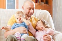 Папа и дочери стоковая фотография rf