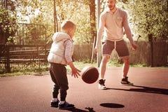 Папа и сынок стоковые фото