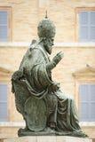 Папа Sixtus статуи v Стоковая Фотография RF