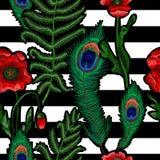 Папоротник, павлин пера и цветки мака вышили стикерам Вектор вышивки Стоковая Фотография