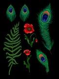 Папоротник, павлин пера и цветки мака вышили стикерам Вектор вышивки Стоковая Фотография RF