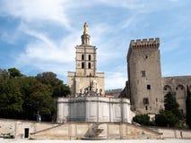 Папский дворец, исторический дворец расположенный в Авиньоне, южной Франции Оно одно из самое большое и самое важное средневеково стоковая фотография rf