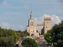 Папский дворец, исторический дворец расположенный в Авиньоне, южной Франции Оно одно из самое большое и самое важное средневеково стоковое изображение rf