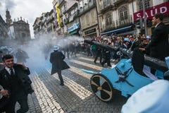Парад Queima Das Fitas - традиционное праздненство студентов португальских университетов Стоковые Изображения