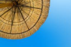 Парасоль пляжа в солнце Стоковые Фото