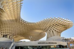 Парасоль Metropol, популярно известный как грибы вочеловечения, Севилья стоковое изображение rf