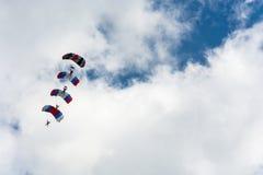 Парашютисты в небе Стоковая Фотография RF