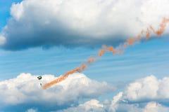 Парашютисты в небе Стоковое Изображение