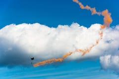 Парашютисты в небе Стоковое фото RF