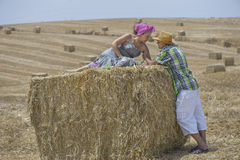 Пара в поле Стоковое фото RF