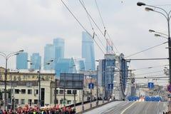 Парад Москвы вахты толп людей первый перехода города Стоковые Изображения RF