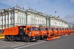 Парад муниципальных тележек чистки в Санкт-Петербурге Стоковое фото RF