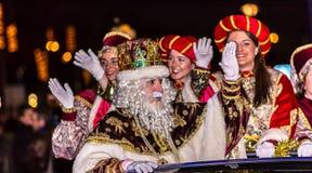 Парад 3 мудрецов приезжая общественный стоковая фотография