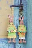 Пара на старом порте - украшение кролика для восточной в затрапезном Стоковое Изображение