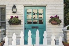 Парадный вход Teal классического дома Стоковая Фотография RF