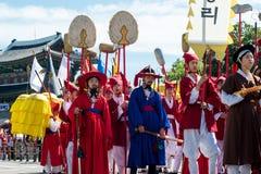 Парад дня фестиваля Yudeung фонарика Чинджу Стоковые Фотографии RF