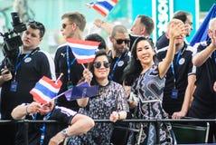 Парад победы английского города Лестера клуба футбола, чемпиона премьер-лиги 2015 до 2016 английских языков Стоковые Фотографии RF
