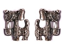 Пара фибул серебряной собаки форменных Стоковые Фото