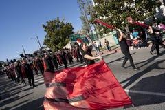 парад дракона полосы золотистый маршируя Стоковые Изображения RF
