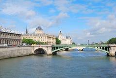 Париж в утре Стоковое Изображение RF