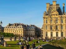 Париж - заход солнца на саде музея декоративных искусств Стоковое Изображение