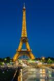 ПАРИЖ - 12-ОЕ ИЮЛЯ 2013: Эйфелева башня 12-ого июля Стоковые Фотографии RF