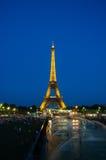 ПАРИЖ - 12-ОЕ ИЮЛЯ 2013: Эйфелева башня 12-ого июля Стоковое Изображение RF