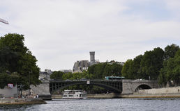 Париж, 18-ое июля: Pont de Пятнать над Сеной от Парижа в Франции Стоковое Изображение RF