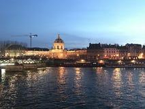 Париж Франция вечером стоковое изображение rf