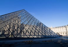 ПАРИЖ, ФРАНЦИЯ - март 2016: Лувр в Париже, Франции (Musee de Жалюзи) Стоковые Изображения
