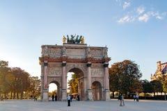 ПАРИЖ, ФРАНЦИЯ 22-ОЕ АПРЕЛЯ triomphe дуги carrousel de du Стоковые Изображения RF