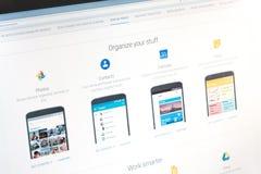 Париж, Франция - 14-ое июня 2017: Конец-вверх на применениях Google (фото, контакты, календарь, держат) для телефонов и таблеток  стоковое изображение rf