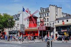 Париж, Франция - 28-ое июня 2015: Румян Moulin стоковые изображения rf