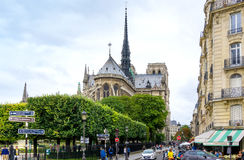 ПАРИЖ, ФРАНЦИЯ - 17-ое июля: Взгляд ar улицы Graben туристов пешком стоковое фото