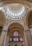 Париж, Франция, 26-ое марта 2017: Интерьер римско-католической церков и небольшой базилики Sacre-Coeur Стоковые Изображения RF