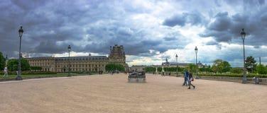 Париж, Франция - 2-ое мая 2017: Взгляд панорамы памятника к Cezann Стоковое Изображение