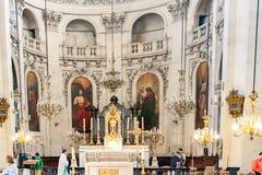 ПАРИЖ ФРАНЦИЯ, около апрель 2016 Интерьер церков ofSaint-Пол-Свят-Луис Стоковая Фотография RF