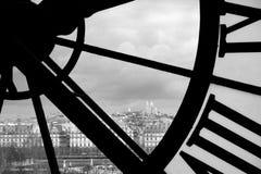 Париж через окно d'Orsee Musee Стоковое Изображение