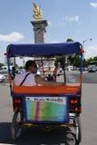 Париж sightseeing на велосипеде. Стоковые Изображения