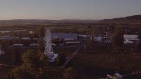 Парк атракционов, вверх по взгляду сток-видео