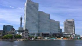 Парк атракционов мира Иокогама Cosmo в заливе Иокогама акции видеоматериалы