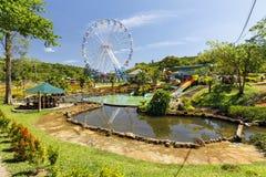 Парк атракционов с паромами катит внутри запруживает Bri, Вьетнам стоковое изображение rf