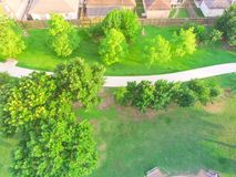 Парк взгляд сверху зеленый большой городской около жилого района в США Стоковая Фотография