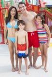 Парк воды семьи ребенка дочи сынка отца мати Стоковое Фото