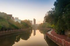Парк вдоль канала Стоковая Фотография RF