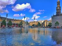 Парк города бассейна зеркала Стоковая Фотография