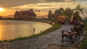 Парк города на заходе солнца акции видеоматериалы